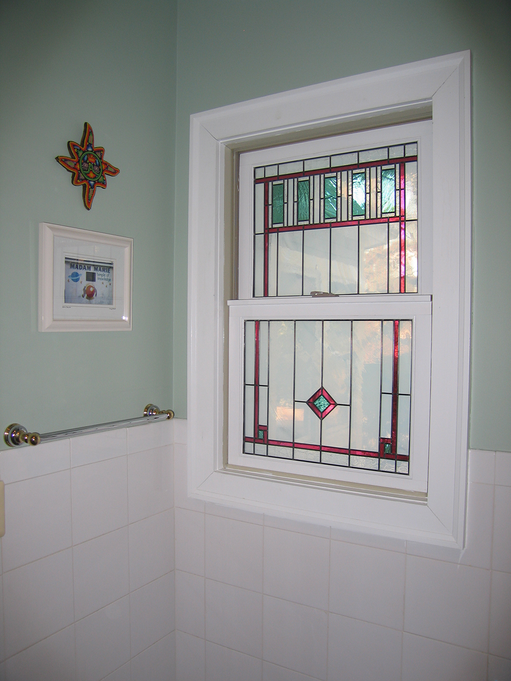 Bathroom window stained glass film bathroom stained glass for Decorative windows for bathrooms